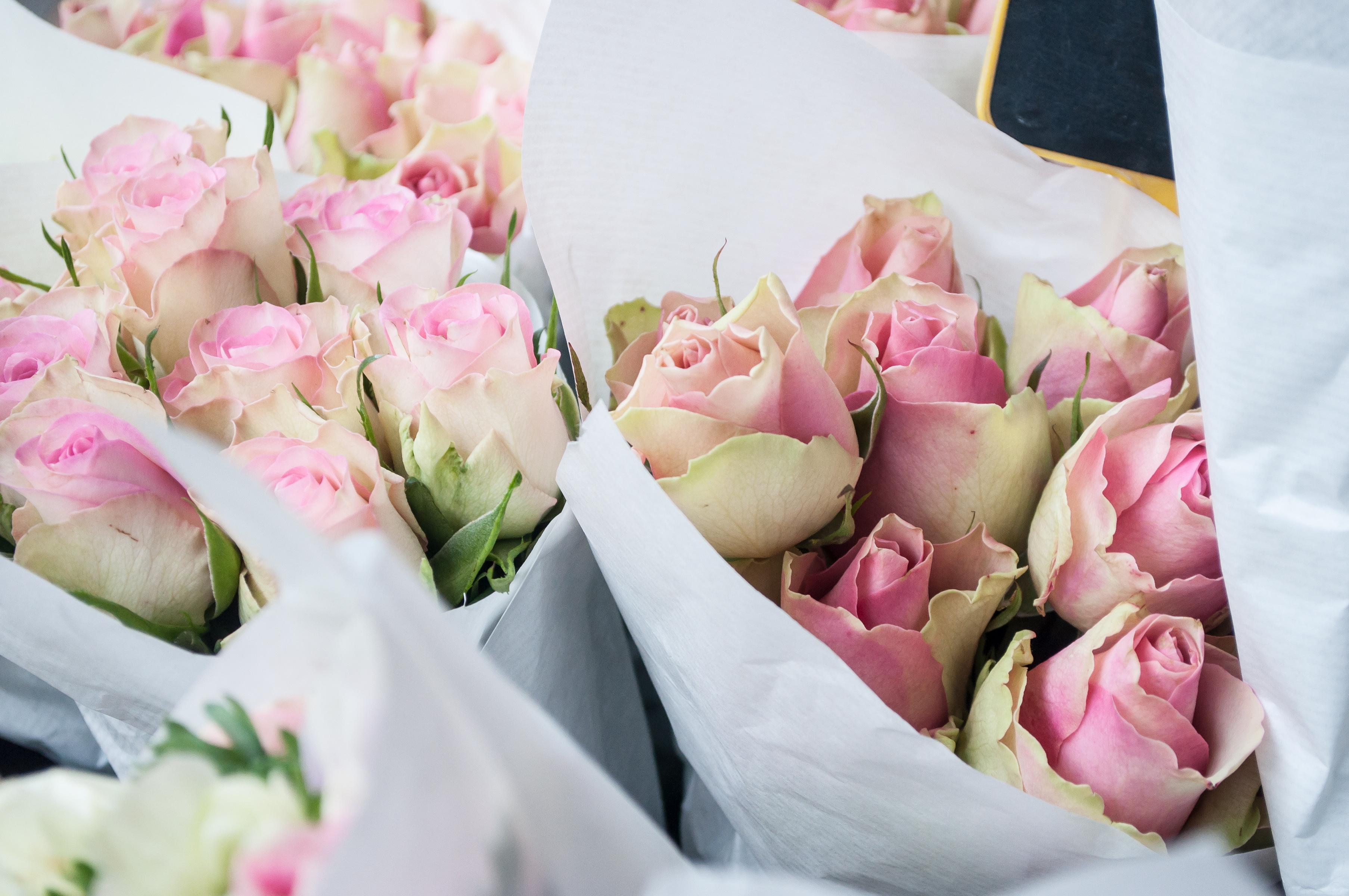 Le Petit Marche Des Fleurs Bouquet Mariage Champetre A