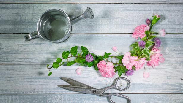 Le petit marché des fleurs, composition florale moderne à Saint-Jean