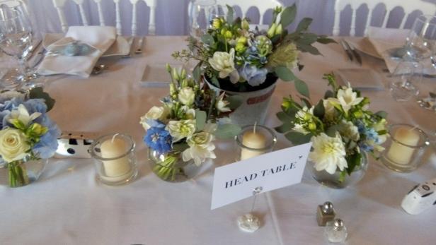 Création d'un magnifique centre de table pour décoration de salle près de Saint-Jean