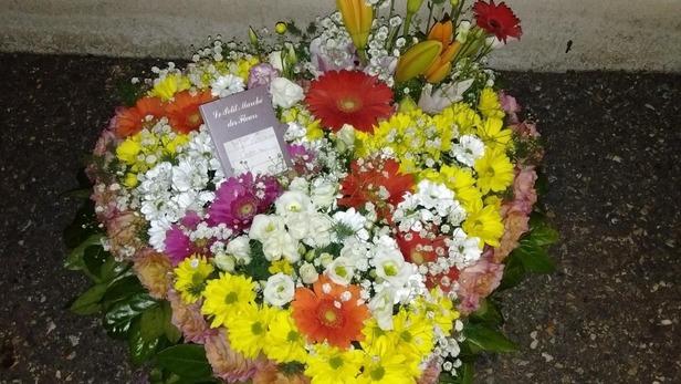 Création de bouquet en coeur pour deuil à Saint-Jean